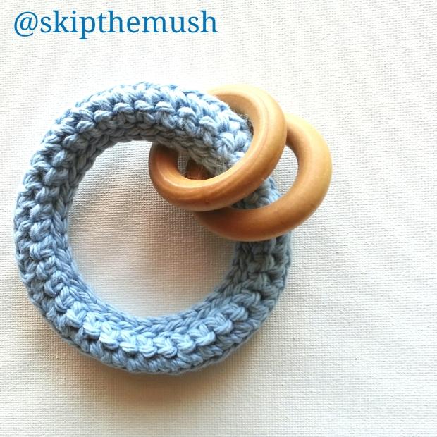 teething toy 2 wood rings