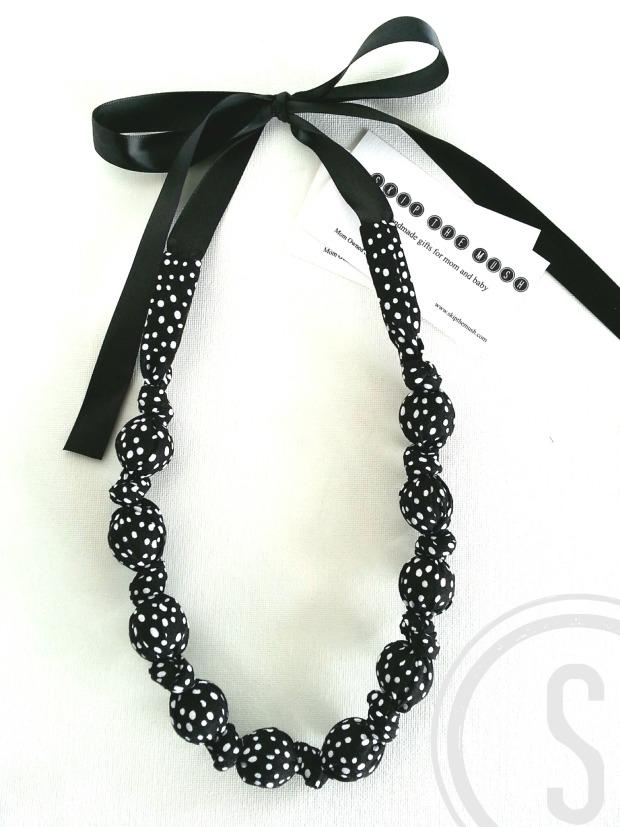 INSTA black & white polkadot